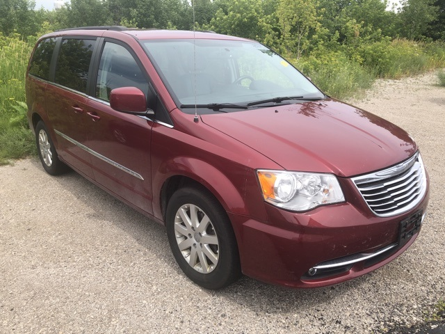 Pre-Owned 2016 Chrysler Town & Country Touring