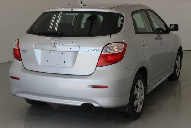 Pre-Owned 2009 Toyota Matrix Base