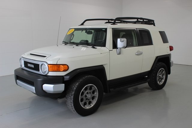 Pre-Owned 2013 Toyota FJ Cruiser Base